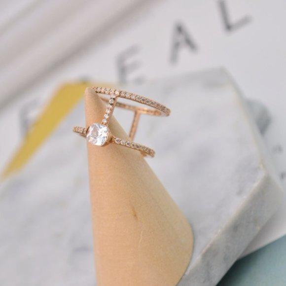 Henri Bendel Zircon Inlaid Double Ring Size 7
